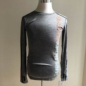 Superdry Sport grey athletic fit top - size large